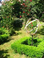 Le jardin de cadrans solaires à Bruz